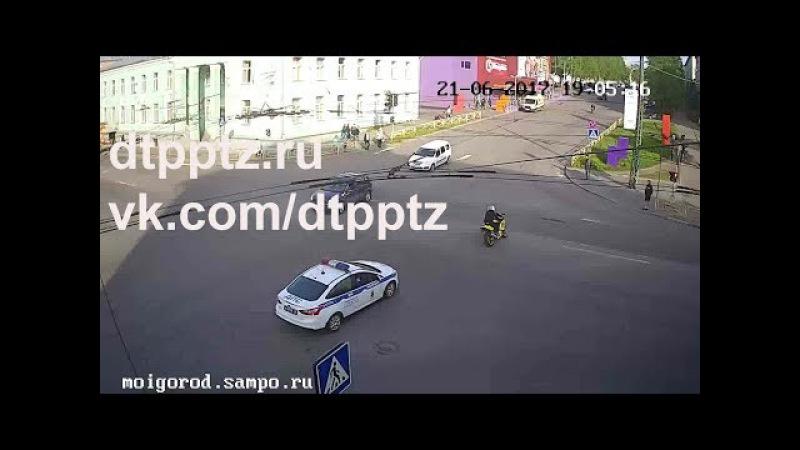 В центре города наряд ДПС преследовал нарушителя на мотоцикле