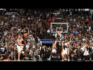 Manu Ginobili's Game-Winning Block in Game 5 | May 9, 2017