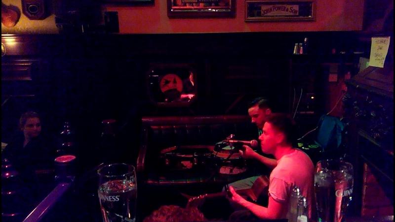 The Buggy Boys, O'Niel's pub, Dublin - 1