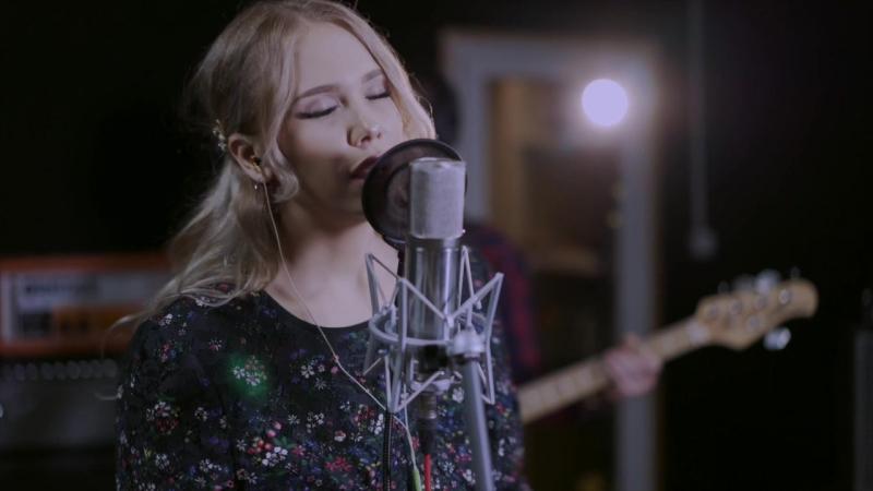 Ева Королева - Вдребезги (Live at MARS RECORDS)
