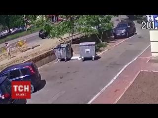 Прорыв трубы в Киеве. Фонтан кипятка бил до 7 этажа (6 sec)