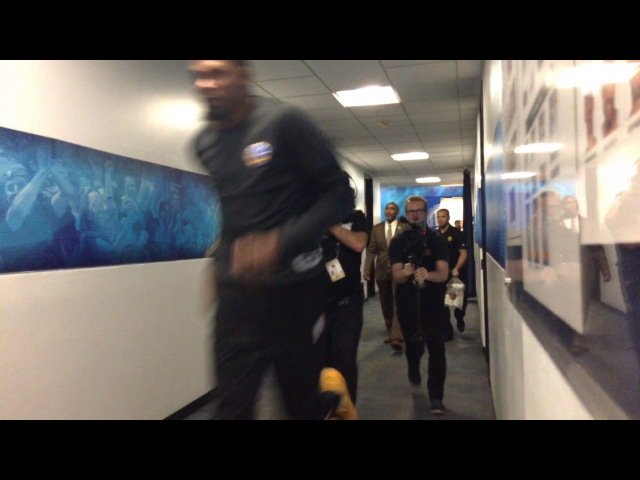 Golden State Warriors (65-14) pregame tunnel run incl Shaun Livingston running out too soon vs NOP