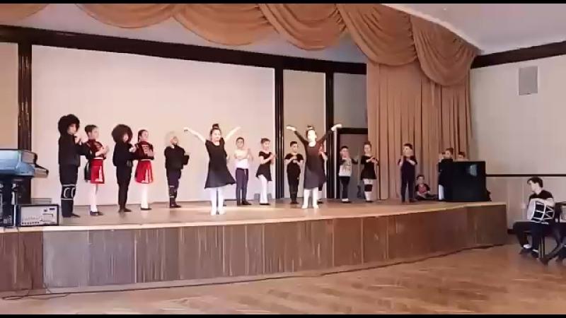 Детки ансамбля Сармат им. Б.Кочиева СПБ май 2017