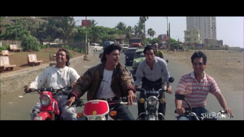 Клип из фильма Безумная любовь - Koi Na Koi Chahiye Pyar karne wala