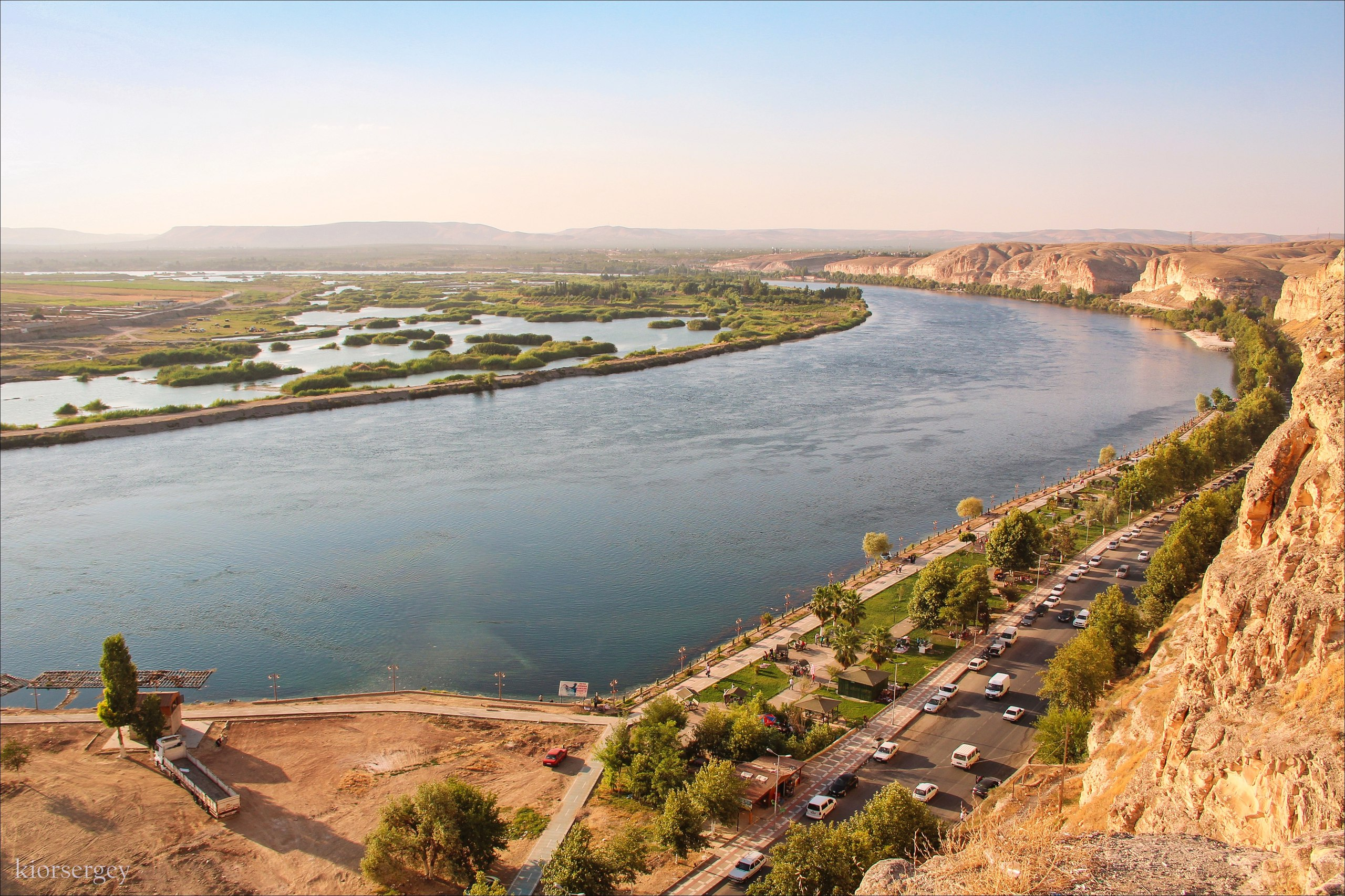 euphrates river The euphrates river is the river and the great river of the bible it is named as one of the rivers of eden the root of the word euphrates is pehrat which means to break forth and abound the euphrates river is about 1780 miles long and is the largest river in southwestern asia, and was.