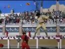 драка дхармендры и джитэндры из индийского фильма - вечная сказка любви