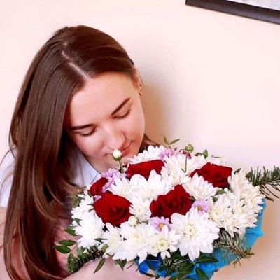 Аля Симонова