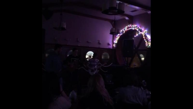Небольшой отрывок выступления в НАУТИЛУСЕ.♦♦EMPIRE♦♦acoustiс band