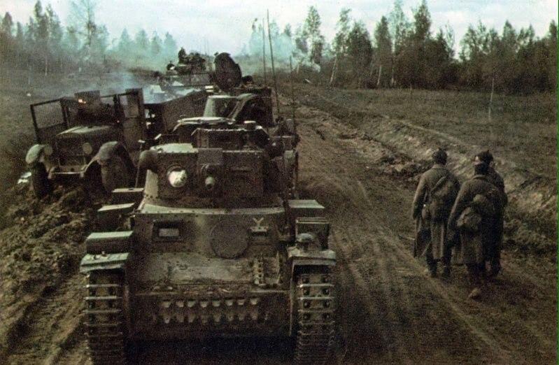 Механизированная колонна 7-й немецкой танковой дивизии (7. Panzer-Division)