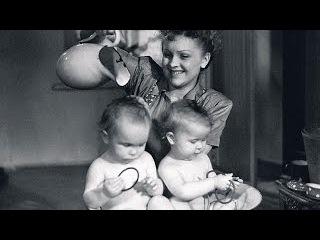 БЛИЗНЕЦЫ (1945) фильм Близнецы смотреть онлайн