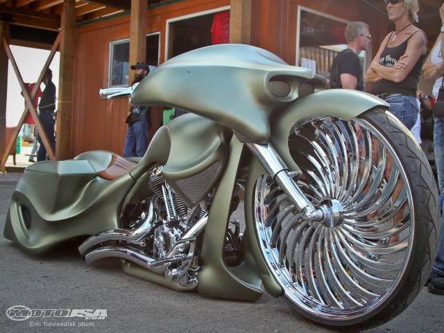 2014 Sturgis Rat's Hole Custom Bike Show - MotoUSA