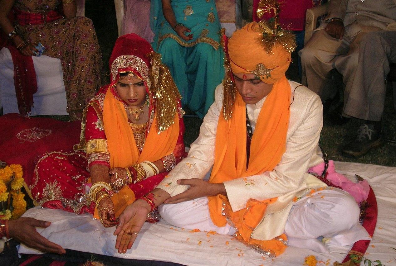 Индуизм — одна из индийских религий, которую часто описывают как совокупность религиозных традиций