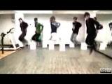 Корейцы красиво танцуют.
