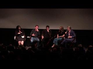 Кейт на пресс-конференции с актерами и создателями сериала «Больше, чем искусство» (26.10.2016)