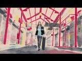 Нарисованная Кара Делевинь несется на скейте с двумя сумками Chanel's Gabrielle (VORAMO) https://vk.com/voramo