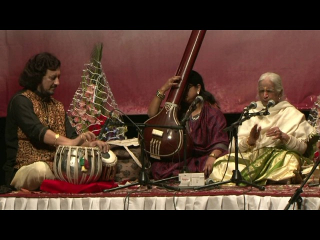 Babul mora by Dr Girija Devi at SUR Festival 2014 with Pt Kumar Bose and Pt Dharamnath Mishra