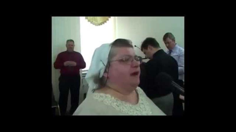 Бабка поет православный рэп Прикол