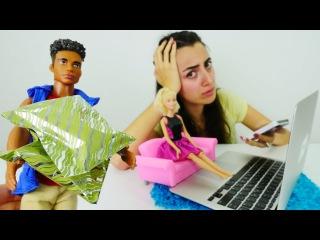 Kız oyunları Türkçe izle! #Barbie internetten elbise siparişi veriyor. #alışverişoyunları
