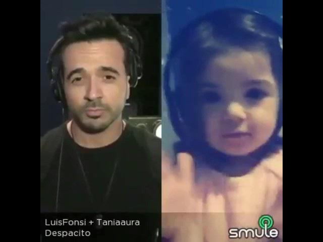 Niña de 2 añitos tratando de cantar despacito de Luis fonsi feat daddy yankee ❤️smule by Melanie