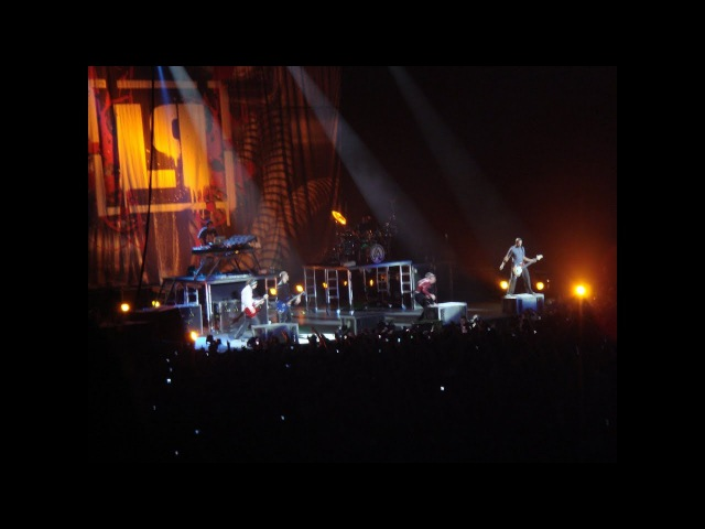 Linkin Park - Leave Out All the Rest (live in Saint Petersburg 05.06.2007)