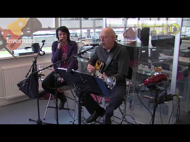 Anne en Hans Invernizzi zingen covers van I feel fine, Chains en Life