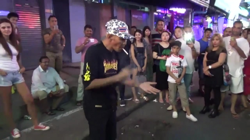 Как он это делает Тайский Гудини