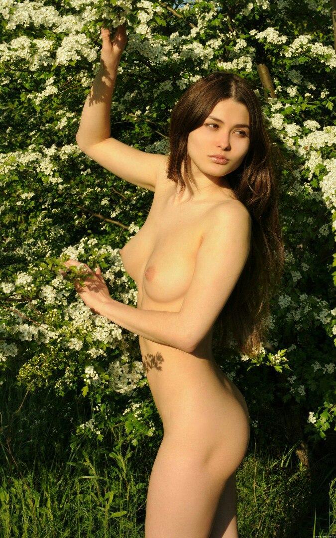 Tila tequila nude picsw
