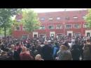 Сотни болельщиков Аякса пришли к дому Абдельхака Нури