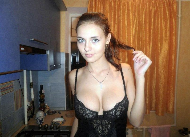 Stranger seducing my selfies wife at bar