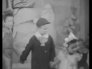 Новогодняя ёлка 1943 года в Ленинградском детском саду. Ленинградский киножурнал №1(1943 год)