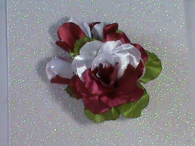 DIY/МК/ Как сделать двухцветную розу с бутонами на заколочке для наших принцесс