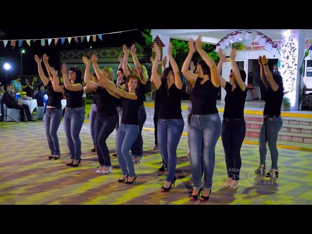 Класс Танец родителей выпускников СОШ 11 ст Новоплатнировской на выпускном вечере 2017