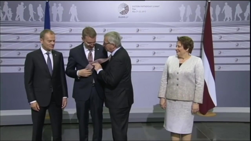 Jean-Claude Juncker drunk and bitch slaps leaders [HD, 1280x720]