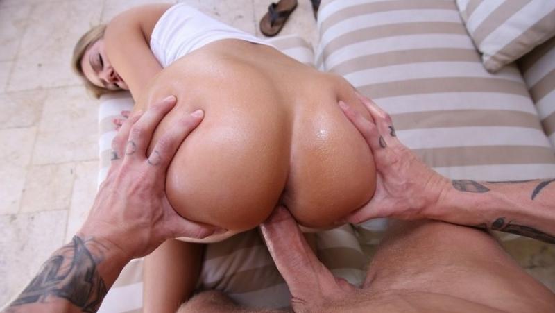 Смотреть порно трах кругленькую попку