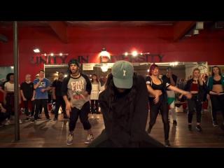 Включай видео и зажигайся танцем под песню Missy Elliott