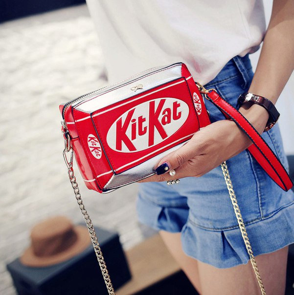 Сумка Кит-Кат  https://ru.aliexpress.com/store/product/2016-New-Handbag-Small-Box-Shape-Shoulder-Bag-Funny-Personality-Crossbody-Bag-Diagonal-Chain-Bag-Fashion/226667_32702323696.html?detailNewVersion=&categoryId=100002856