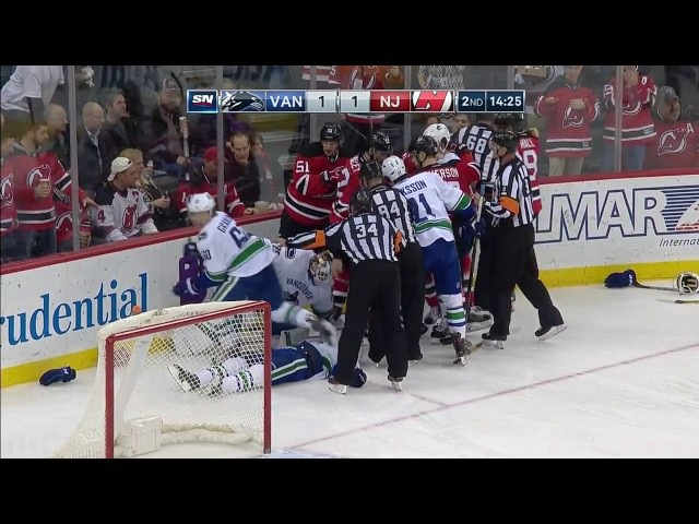 Taylor Hall Knocks Out Philip Larsen With Massive Hit » Freewka.com - Смотреть онлайн в хорощем качестве