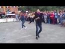 Русская_девушка_танцует_лезгинку.
