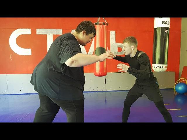 Fatboy (256 kg) vs Little fighter (59 kg)