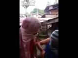 Жесть. Казнь девушки боевиками ИГИЛ