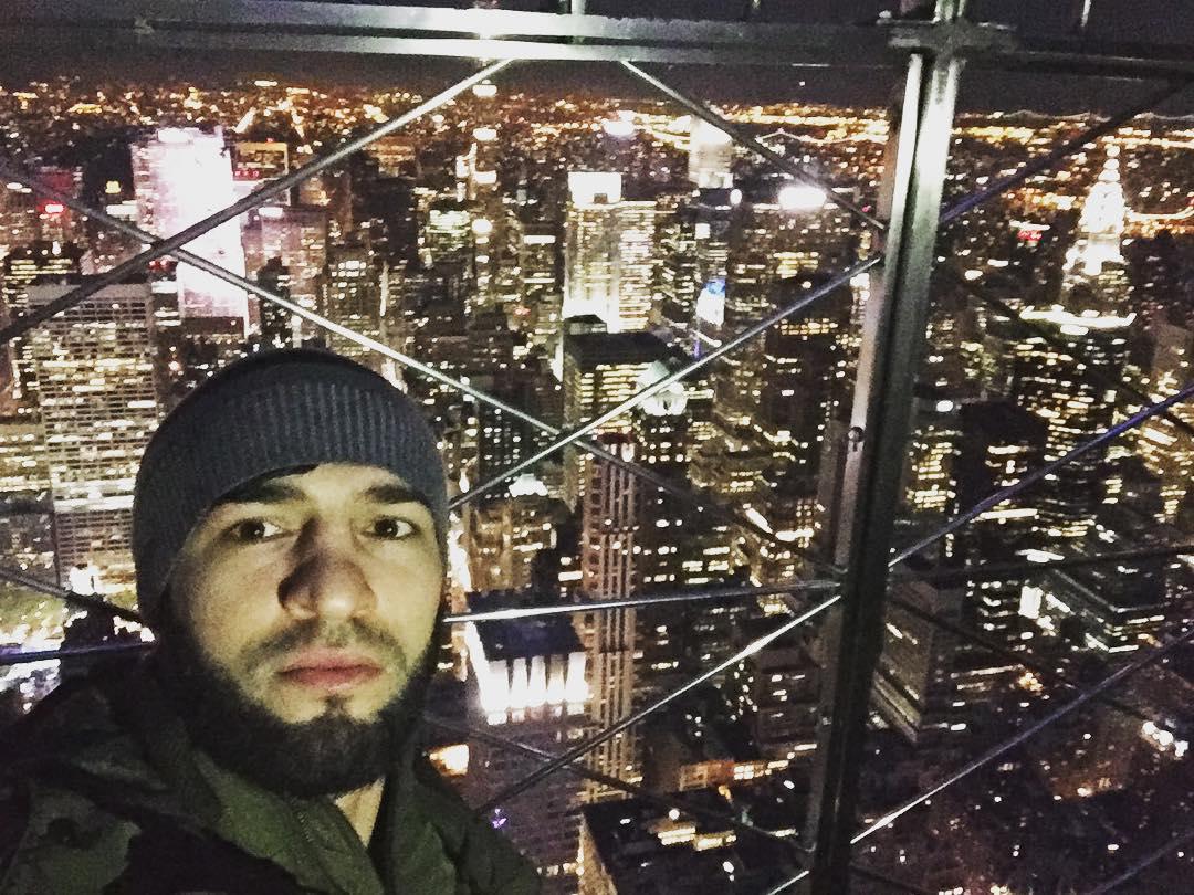 Зубайра Тухугов: «Прогулка по Манхеттену»