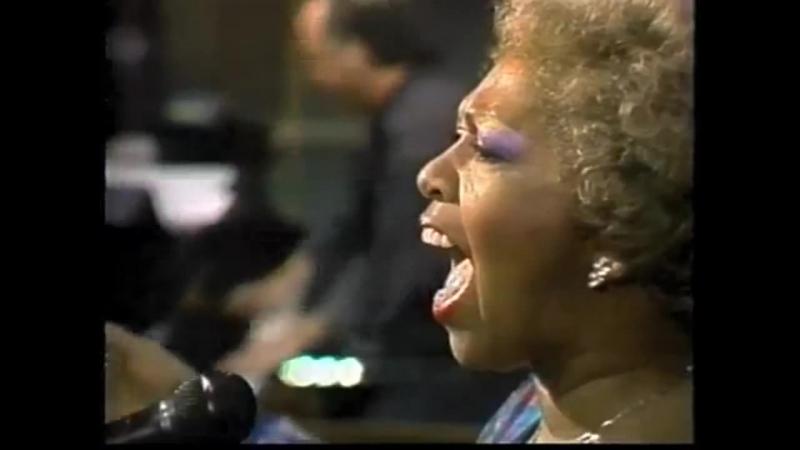 Cissy Houston on Late Night, Dec. 1989 (57 лет)