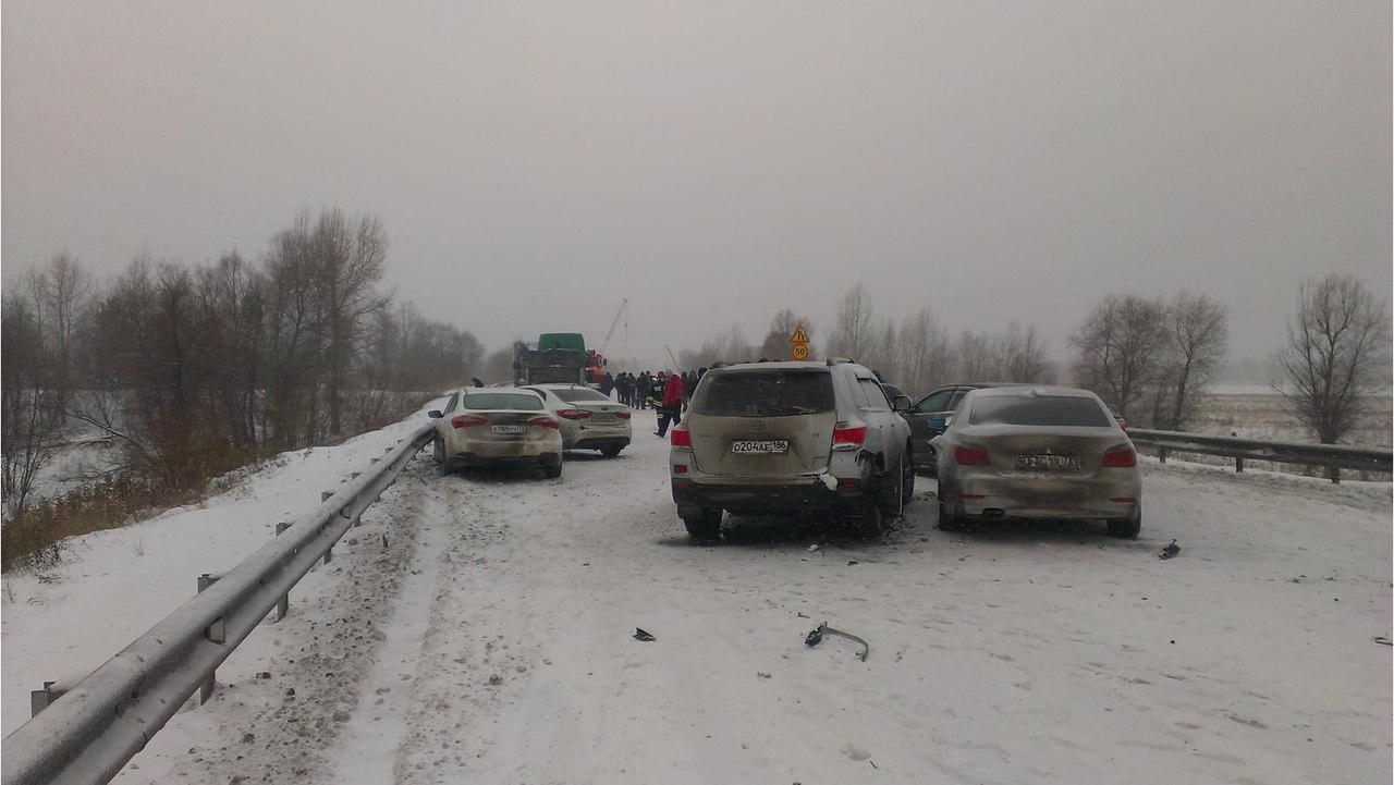 Ханты-Мансийск: Семь авто столкнулись натрассе Тюмень
