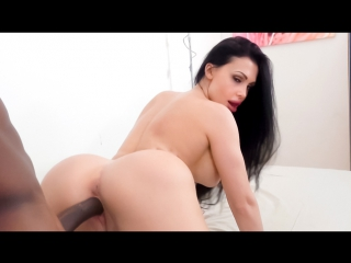 Aletta Ocean New Photos