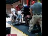 Влад Алхазов. Приседание без экипировки в бинтах 500 кг
