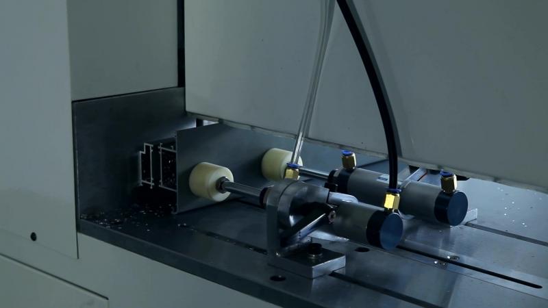 Одноголовочная Резательная Машина LJC-500 для Алюминиевых Окон и Дверей