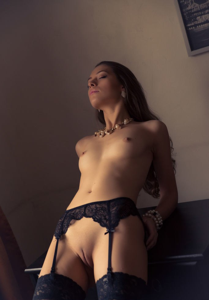 Gorgeous Blondie Blows And mates Hung crony
