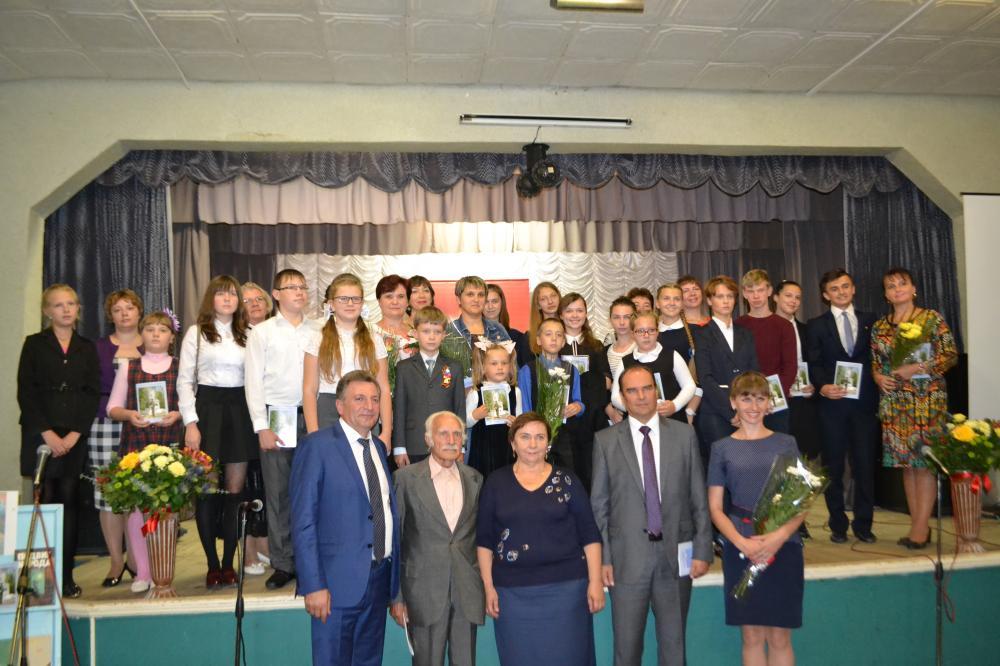 Молодежь Дзержинского района участвует в патриотических акциях