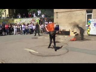 Огненная стрижка за пару секунд