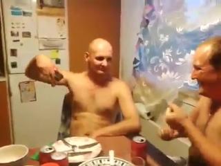 Киборг ебанул электрошокером в грудь